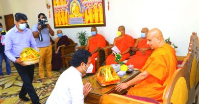 """Mihindu Niwahana National Housing Program"" Presented to the Chief Prelates of Malwatta and Asgiriya Chapters"
